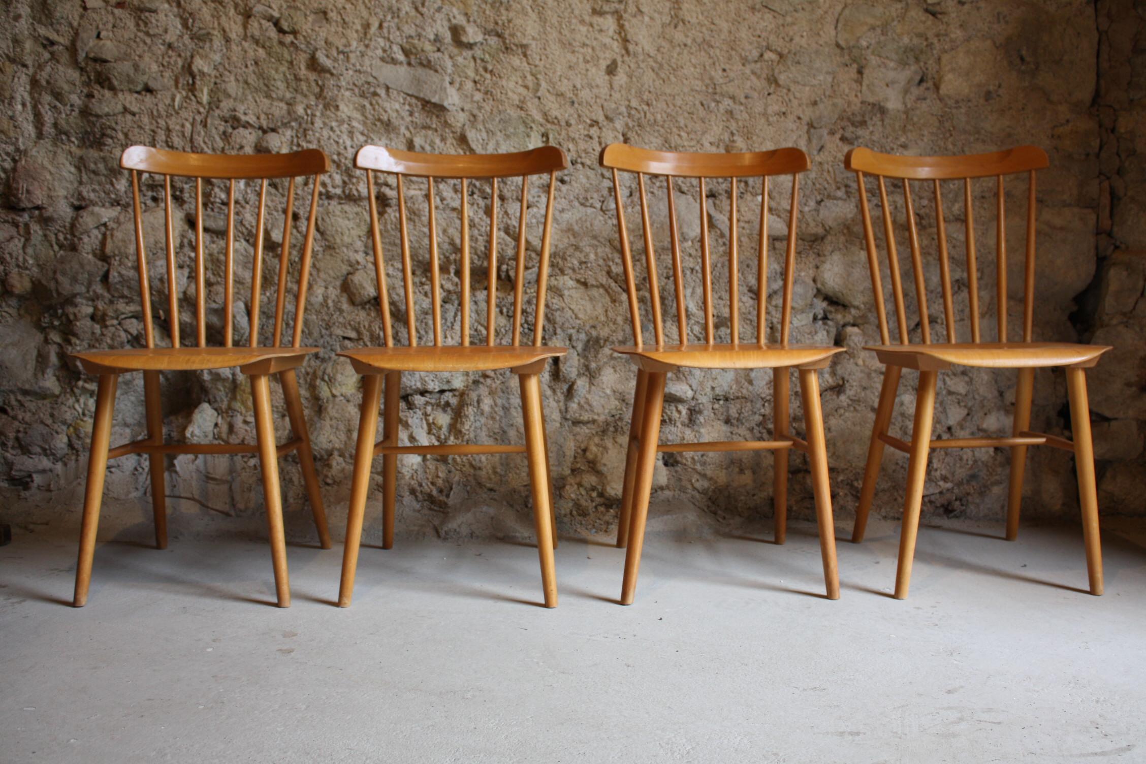 Sprossenstühle Aus Buchenholz Aus Einer Werkstatt Näherei
