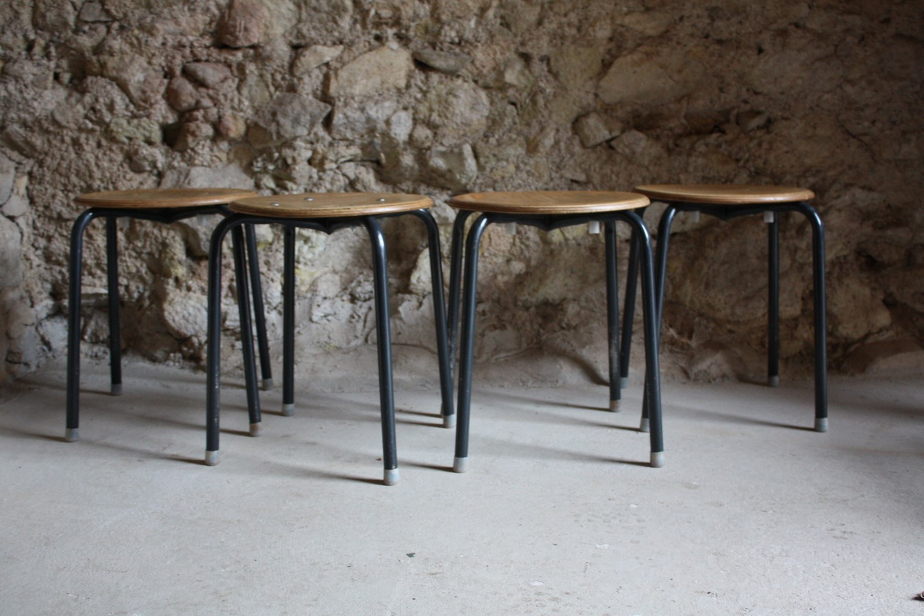werkstatt-hocker-industrie-design-bauhaus-vintage-loft-1