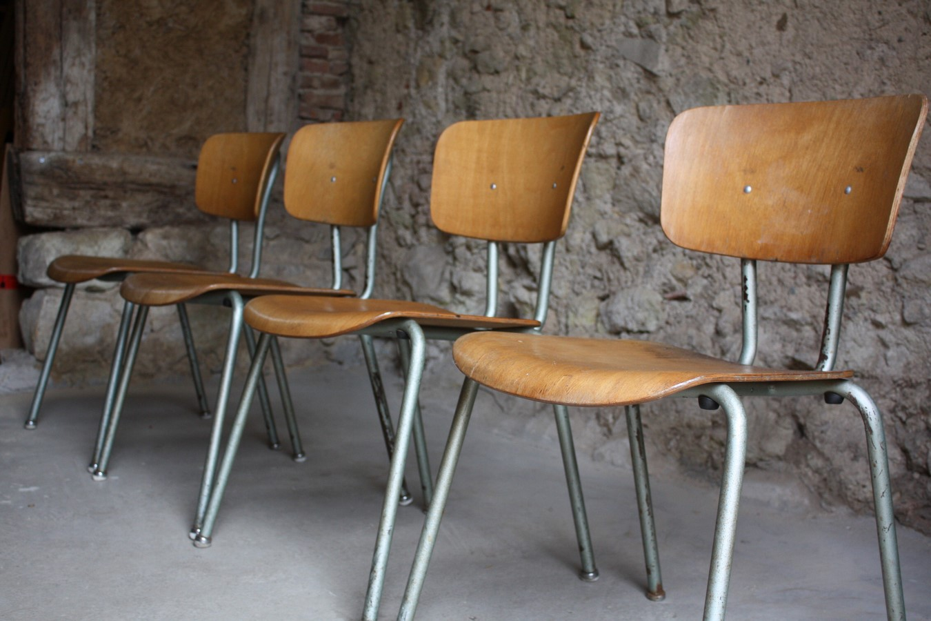 B rost hle campus st hle industriedesign 1 v 1 design for Stuhl industriedesign