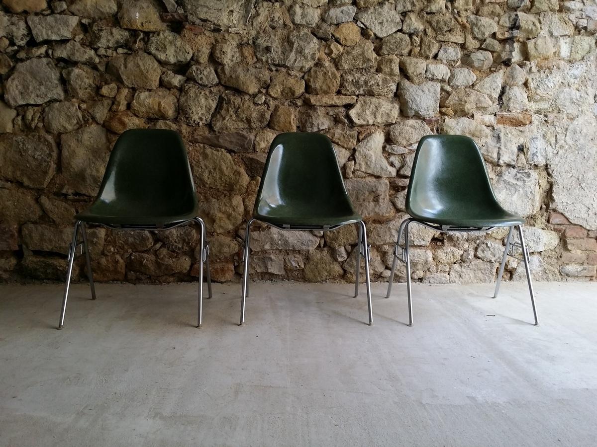 Eames Fieberglas Diner Chair Stuhl Vitra Herman Miller (4) a