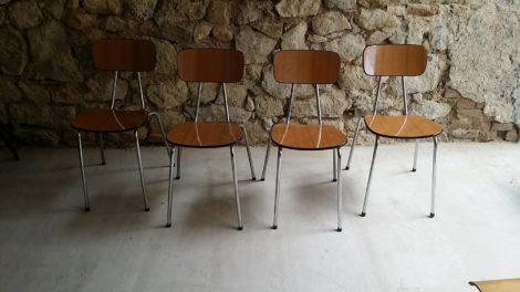 Stühle One Minute Sculpture Erwin Wurm