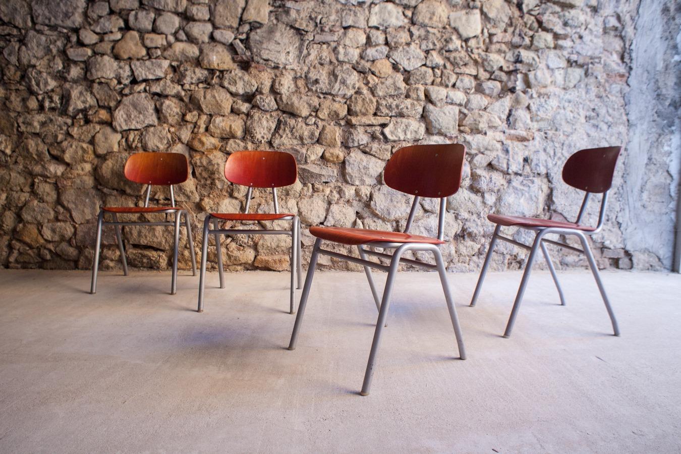 Stühle alt gebraucht vintage antik mid century modern industrial design ikonen (30)