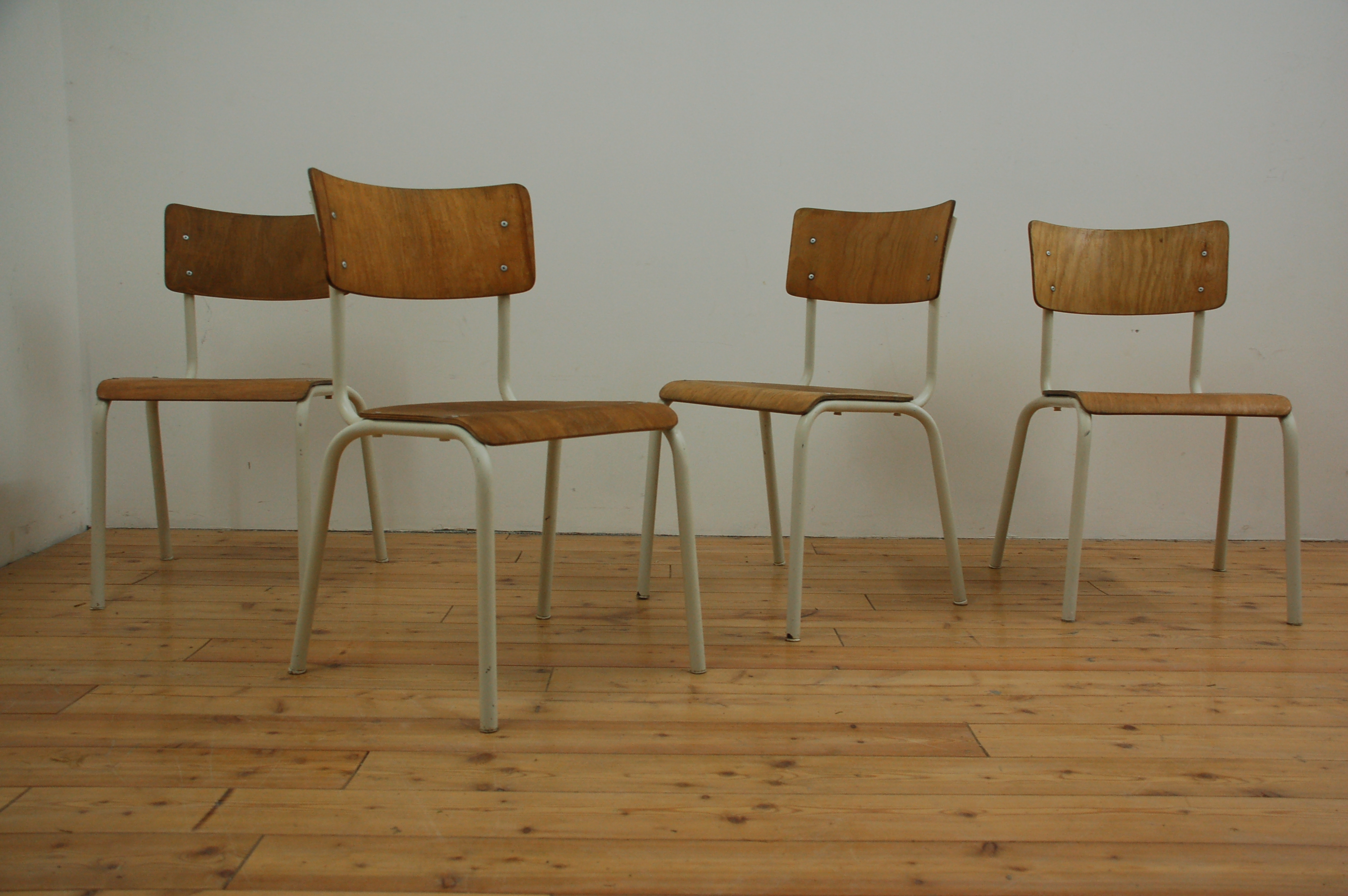 Industrie Design Stühle Industrial Loft Vintage Stahlrohr Holz alt gebraucht 1950 1960 (3)