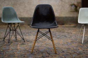 Stuhl Charles Eames Fiberglas Eiffel Base