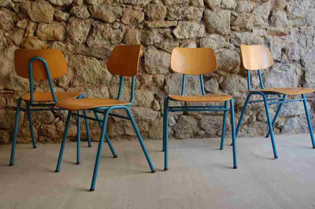 Alte VS Schulstühle Schulstuhl 1960 1970 gebraucht vintage Stühle retro gastro Stahlrohr Holz Design Ikonen 2 Hand (6) 2