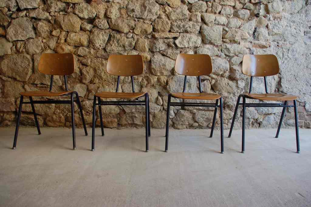 VS Schul Stühle 1960 1970 gebraucht vintage Stühle retro gastro Stahlrohr Holz Design Ikonen 2 Hand (1) 2