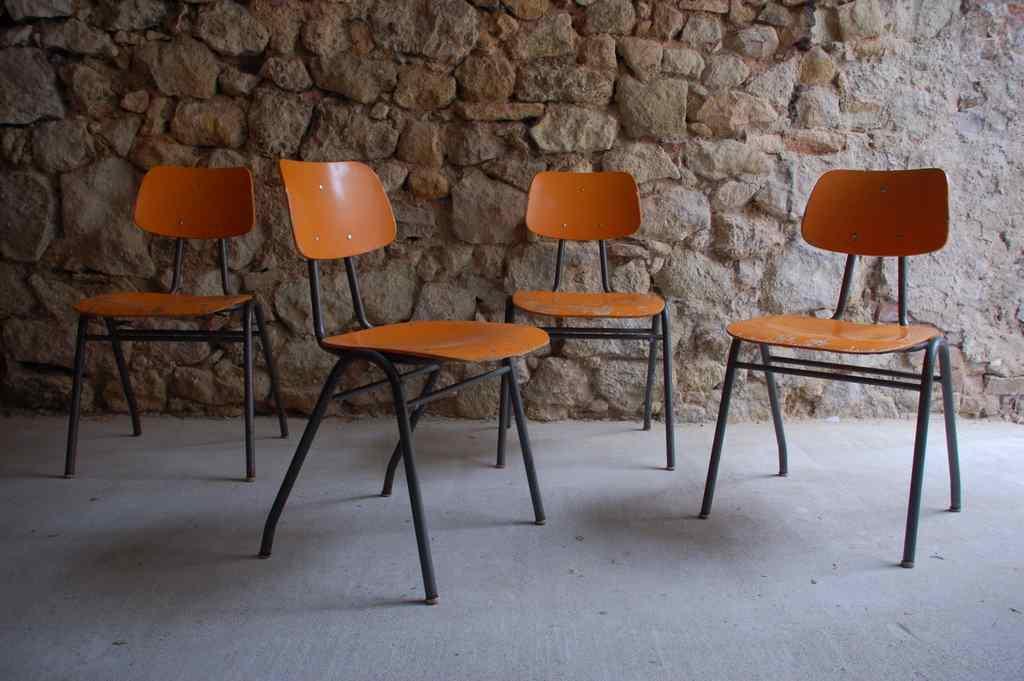 Vintage Schulstühle VS Kantinenstühle retro Industrie Design (2) 2
