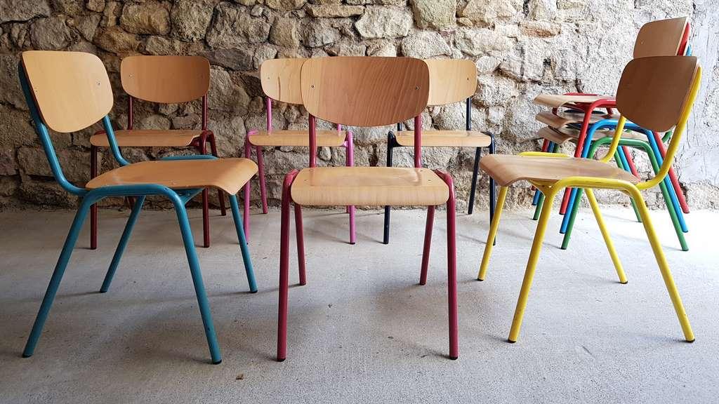 Bunte Stuhle Aus Stahlrohr Und Holz Design Ikonen