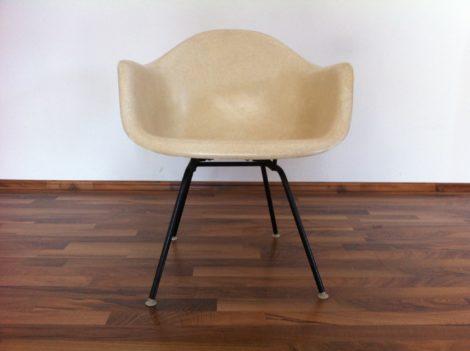 Eames Armchair Herman Miller Fiberglas Zenith