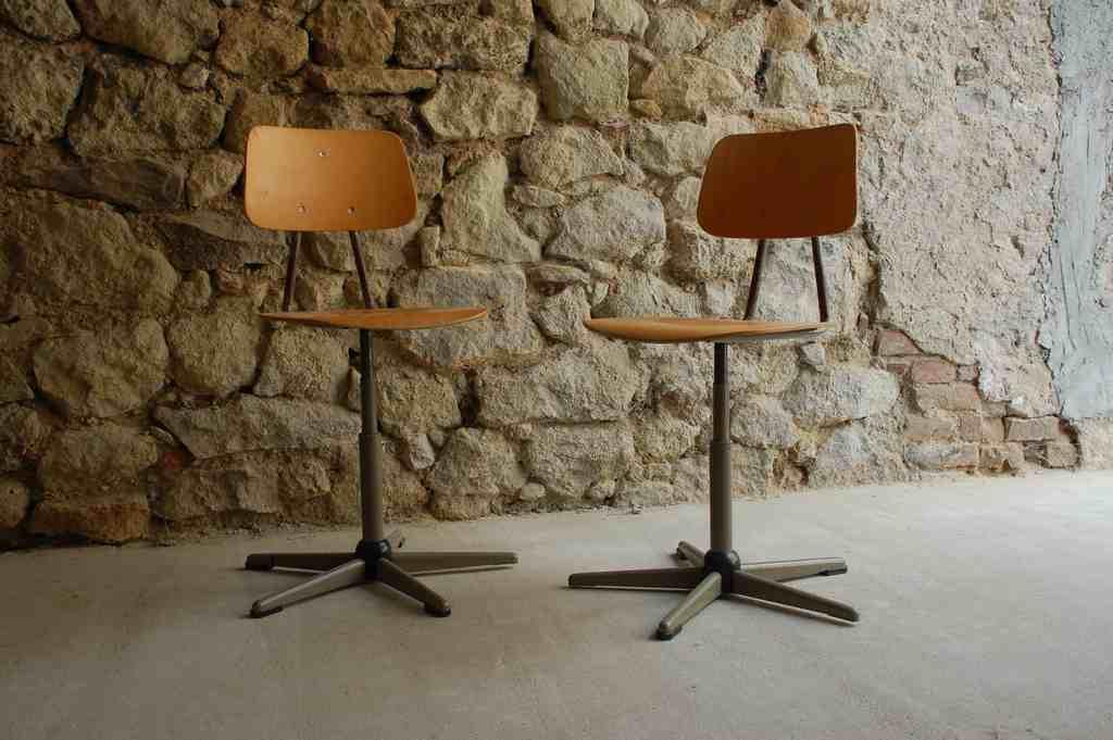 Alt gebraucht Stuhl Drehstuhl Chair Werkstattstuhl Holz Stahl Vintage Retro Bauhaus Shabby Chic