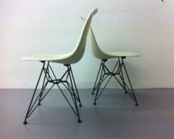Eames Herman Miller Vitra Eiffel Base DSR weiss Fiberglas