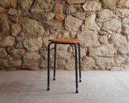 Hocker Möbel Stühle gebraucht Werkstatthocker alt gebraucht